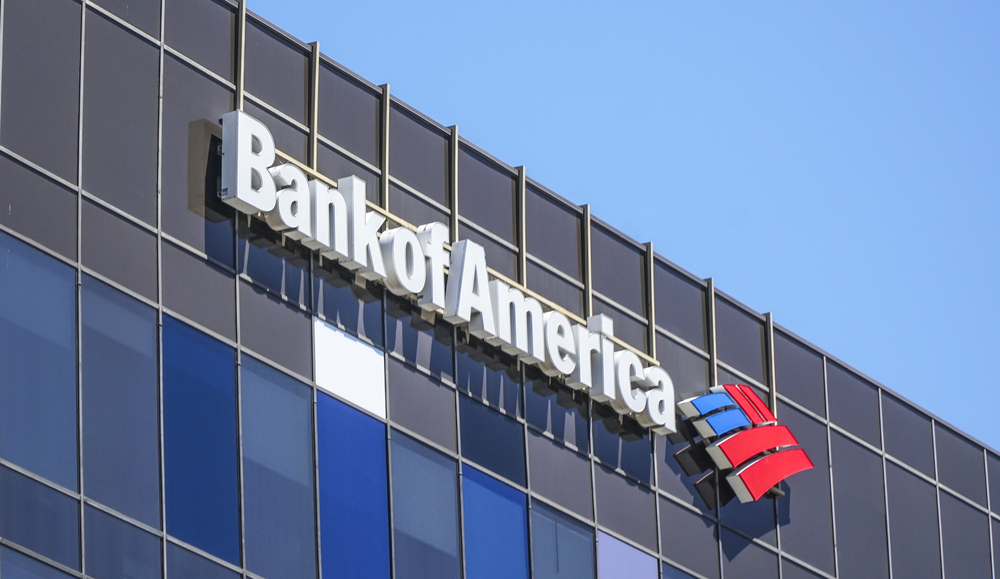HNA Bonds Dip as Bank of America Halts Deals