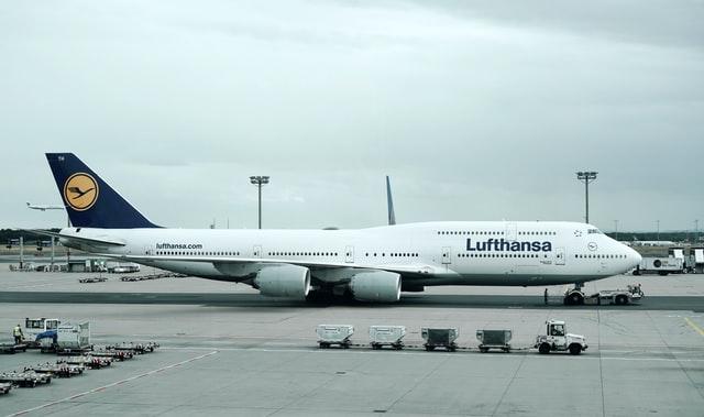 Lufthansa Posts Record Annual Loss