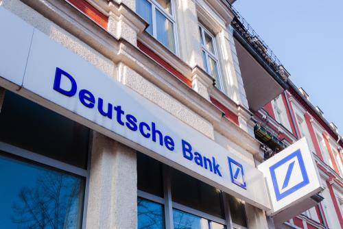 Deutsche Bank Warns of €300mn Profit Hit